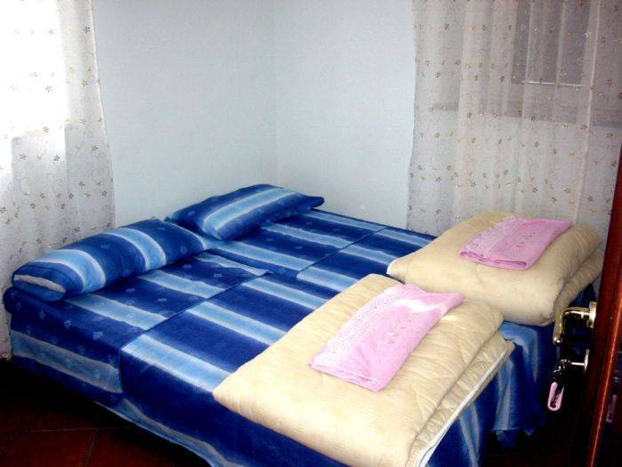 Hostel Friendship, Rome, Italy, late bed & breakfast check in available in Rome